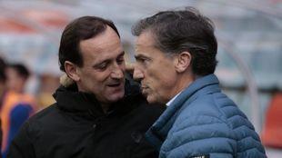 Joseba Etxeberria y Larrazabal se saludan en el Helmántico.
