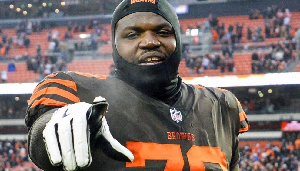 Arrestan a tackle de la NFL por distribución de drogas