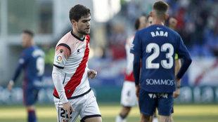 Pozo celebra un gol ante el Huesca.