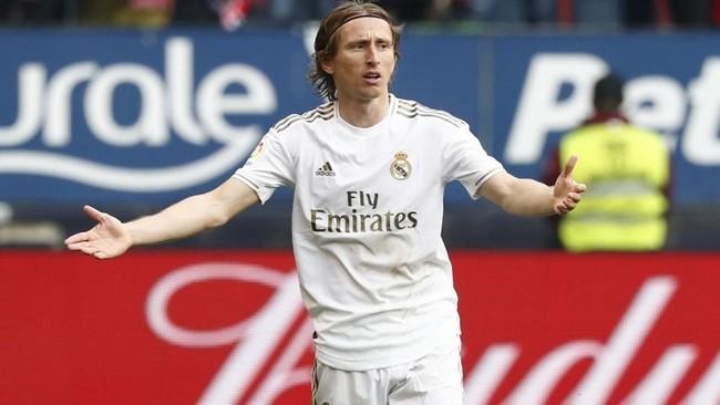 Modric durante el partido ante Osasuna.