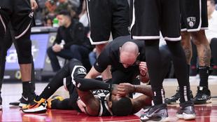 Kyrie Irving será operado por problemas añejos en el hombro.