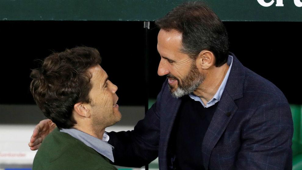 Vicente Moreno se salida con Rubi en el Villamarín.