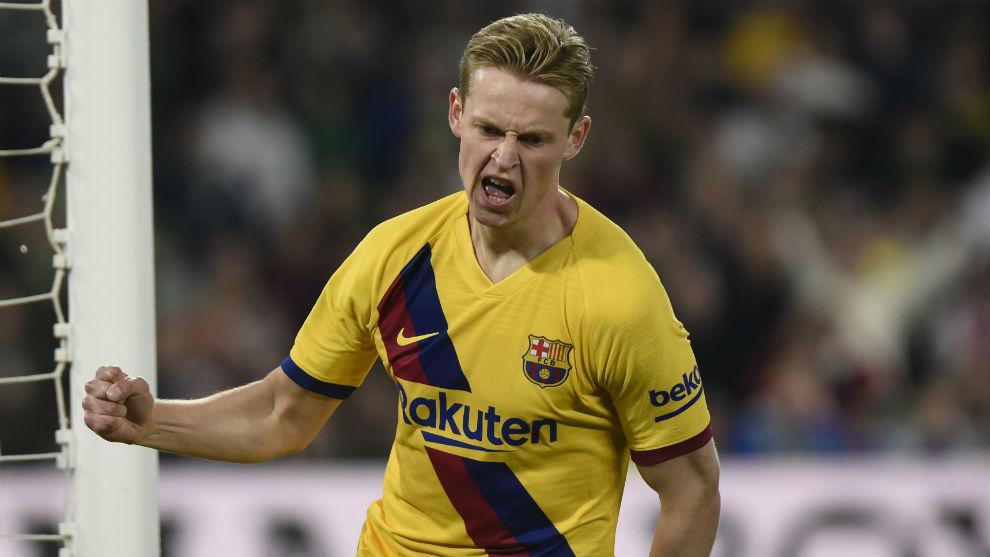 Frenkie de Jong (22) celebra un gol con el Barcelona.