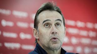 El técnico sevillista Julen Lopetegui (53), en sala de prensa.