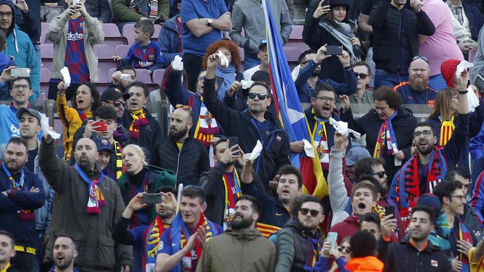 La pañolada en el Camp Nou