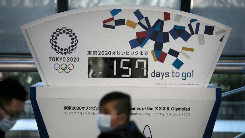 La gente en Tokio ya toma medidas contra el coronavirus