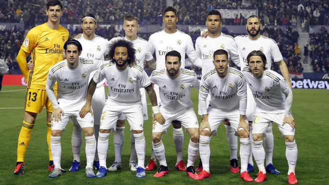 Levante - Real Madrid: El uno a uno del Real Madrid vs Levante: ya ni  Benzema tiene gol... | Marca.com