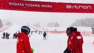Un fuerte viento, nevadas intermitentes y mala visibilidad, las...