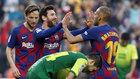 Messi y Braithwaite festejan un gol.