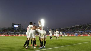 Los jugadores celebran uno de los goles ante el Getafe. /