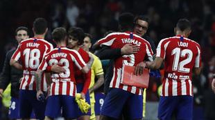 Los jugadores del Atlético celebran la victoria ante el Villarreal.
