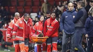 Bogdan abandona en camilla el terreno de juego el pasado viernes