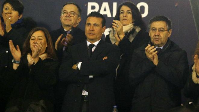 Amadeo Salvo junto a Francina Armengol y J.M. Bartomeu, durante el...