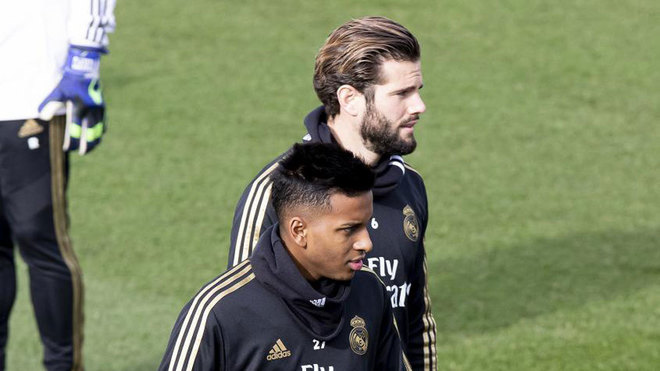Rodrygo y Nacho, durante un entrenamiento.