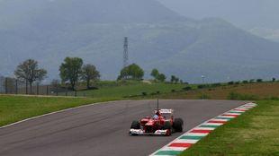 Fernando Alonso, durante unos test en el circuito de Mugello.