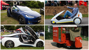 De izq. a dcha: Tesla Model X, Sinclair C5, BMW i8 y Brush Pony...