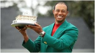 Tiger Woods, como ganador por quinta vez del Masters de Augusta.