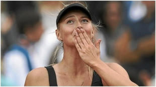 Sharapova, tras ganar uno de sus títulos en Roland Garros.