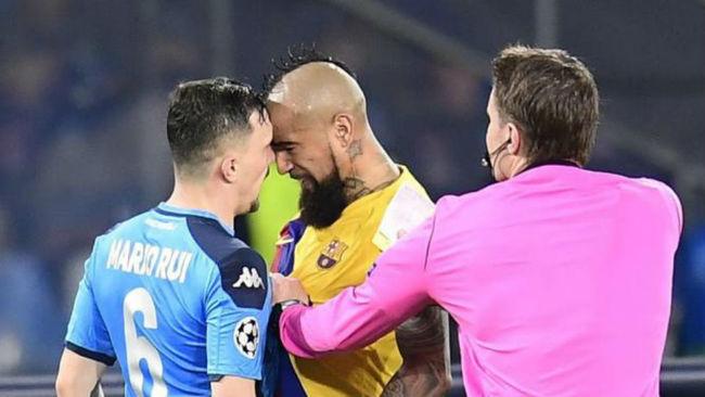 Por esta acción Arturo Vidal fue expulsado.