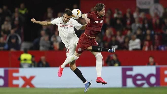 Sevilla FC - Cluj: El Sevilla pasa con pañolada y empujado por el VAR - Europa League