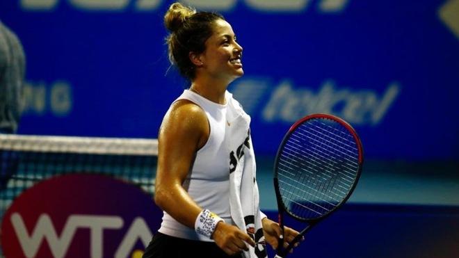 Renata Zarazúa festejando el triunfo en cuartos de final.