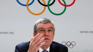 El presidente del COI, Thomas Bach, confía en la realización de los...