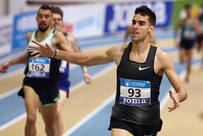 Jesús Gómez se impone en los 1.500 del Campeonato de España indoor...