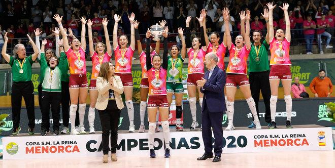 El May Deco Logroño celebra el título de la Copa de la Reina