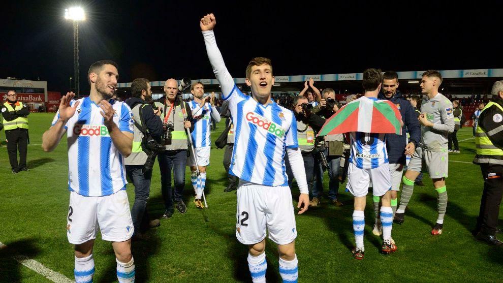 Los jugadores de la Real celebran el pase a una final de Copa, 32...
