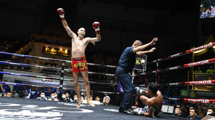 Carlos Coello celebra su victoria