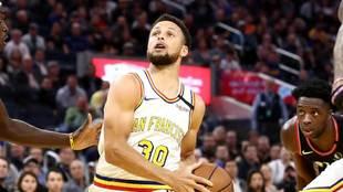 Stephen Curry vuelve a la acción en la NBA