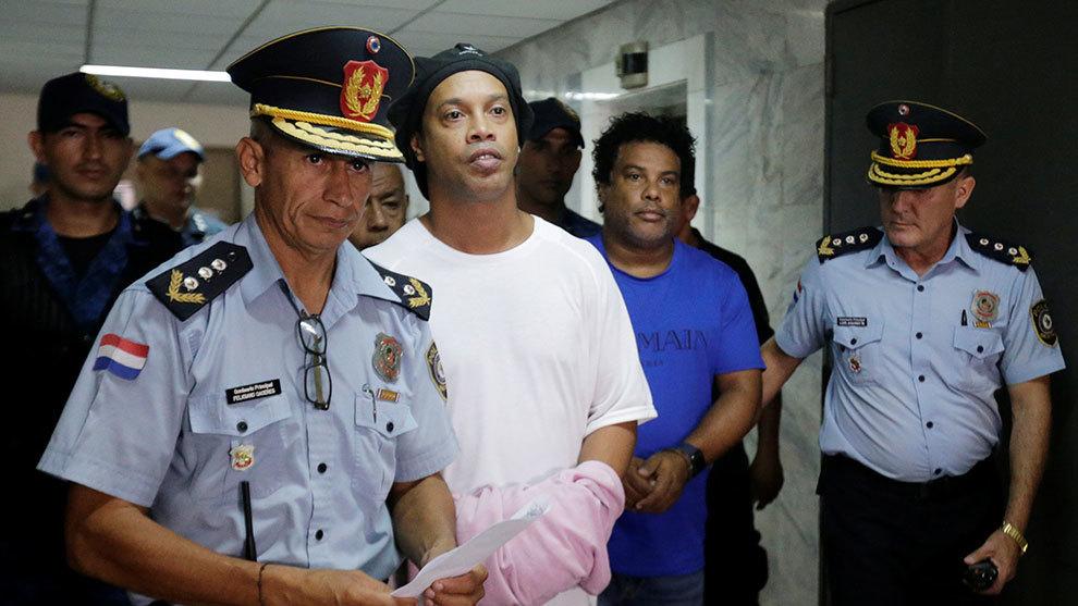 Resultado de imagen para ronaldinho cárcel