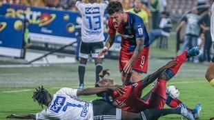 Momento de la fractura de Yulián Gómez.