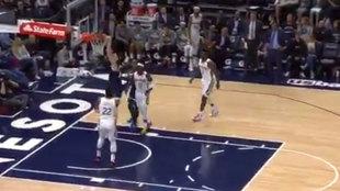 Juancho machaca el aro de los Pelicans