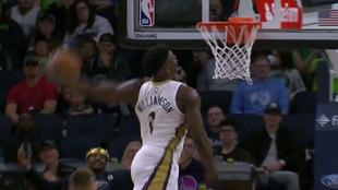 Zion Williamson machaca el aro de los Timberwolves