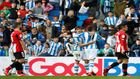 Jugadores de la Real y el Athletic, en el derbi del Reale Arena de...
