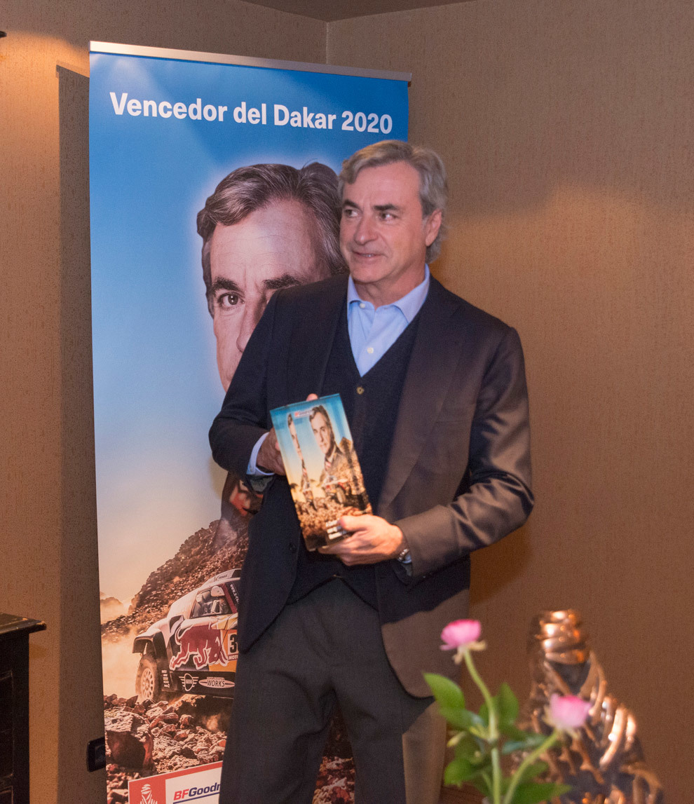 Carlos Sainz homenaje Dakar 2020