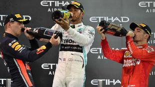 Verstappen, Hamilton y Leclerc, en un podio en 2019.