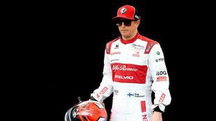 Raikkonen, durante la sesión oficial de fotos previa al inicio del...