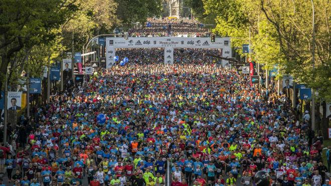 Miles de personas, en el maratón de Madrid