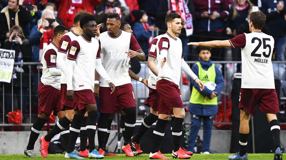 Los jugadores del Bayern celebran un gol en la última jornada.