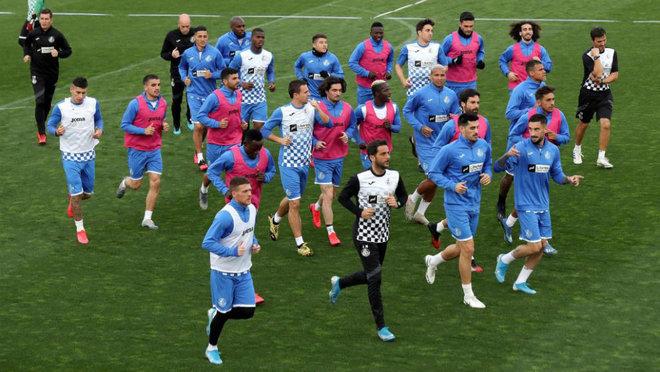 Los jugadores del Getafe, durante el último entrenamiento.