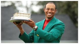 Tiger Woods levanta el título del Masters en 2019