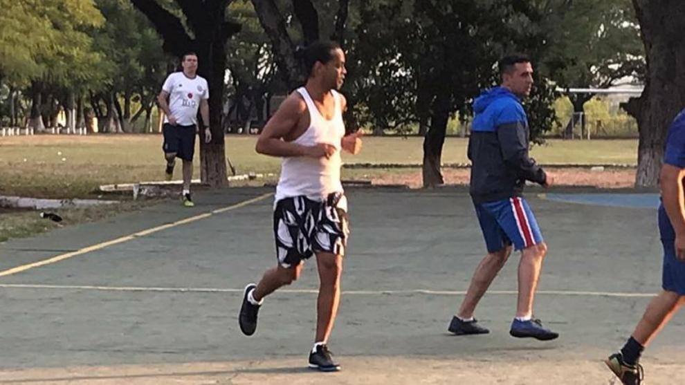 Coronavirus: Toman precauciones con Ronaldinho por el coronavirus: sometido a pruebas en Paraguay 2