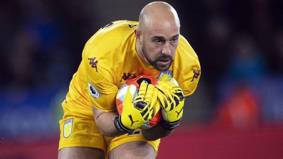 Pepe Reina playing for Aston Villa.