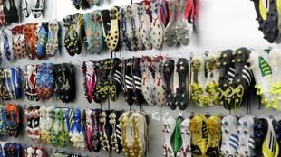 Las botas colgadas en el vestuario del Alcorcón