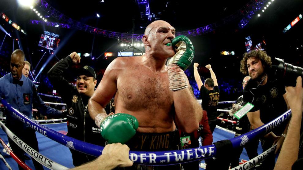 Fury celebra su victoria sobre Wilder en el último gran combate...