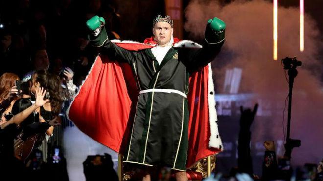 Así salió al ring Fury en su pelea contra Wilder.