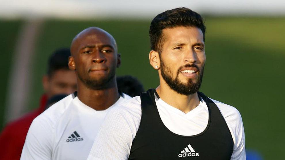 Mangala y Garay, en un entrenamiento
