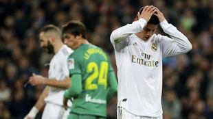 James, en su último partido con el Madrid ante la Real en Copa.